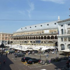 Отель Padovaresidence Palazzo Della Ragione Италия, Падуя - отзывы, цены и фото номеров - забронировать отель Padovaresidence Palazzo Della Ragione онлайн парковка