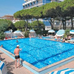Отель MAGRIV Римини бассейн фото 3