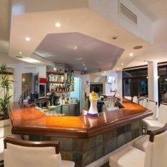 Отель Paphos Gardens Holiday Resort гостиничный бар