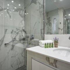 Отель Luxurious Spacious Apt next Hilton Area Греция, Афины - отзывы, цены и фото номеров - забронировать отель Luxurious Spacious Apt next Hilton Area онлайн ванная