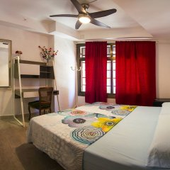 Отель Go Bcn Hostal Ideal Badal Барселона комната для гостей фото 2