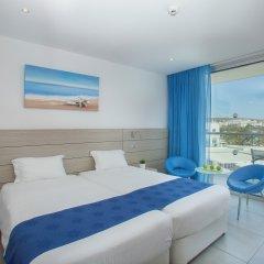 Отель Limanaki Beach Hotel Кипр, Айя-Напа - 1 отзыв об отеле, цены и фото номеров - забронировать отель Limanaki Beach Hotel онлайн комната для гостей фото 4