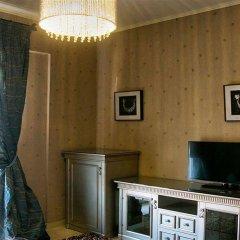 Отель Achtis сейф в номере