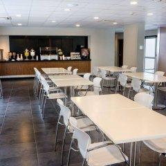 Отель City Express Plus Cali гостиничный бар