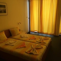 Family Hotel Danailov сейф в номере