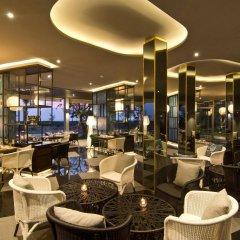 Отель Le Coral Hideaway Beyond Phuket интерьер отеля