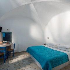 Отель Sea Side Beach Hotel Греция, Остров Санторини - отзывы, цены и фото номеров - забронировать отель Sea Side Beach Hotel онлайн сейф в номере
