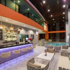 Отель Bandara Suites Silom Bangkok гостиничный бар