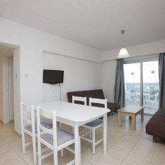 Отель Trizas Hotel Apartments Кипр, Протарас - отзывы, цены и фото номеров - забронировать отель Trizas Hotel Apartments онлайн комната для гостей фото 3