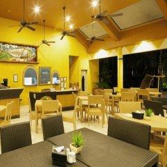 Отель Microtel by Wyndham Boracay Филиппины, остров Боракай - 1 отзыв об отеле, цены и фото номеров - забронировать отель Microtel by Wyndham Boracay онлайн питание