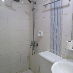 Отель La Gloria Residence Inn ванная фото 2