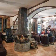 Апартаменты Ski Apartment In Castle Complex Пампорово гостиничный бар