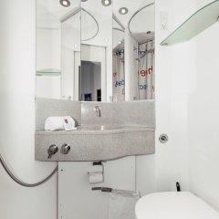 Отель Cabinn Scandinavia Дания, Фредериксберг - 8 отзывов об отеле, цены и фото номеров - забронировать отель Cabinn Scandinavia онлайн ванная