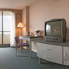 Отель The Empire Landmark Hotel Канада, Ванкувер - отзывы, цены и фото номеров - забронировать отель The Empire Landmark Hotel онлайн удобства в номере
