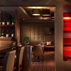 Отель Thistle Kensington Gardens Великобритания, Лондон - отзывы, цены и фото номеров - забронировать отель Thistle Kensington Gardens онлайн гостиничный бар