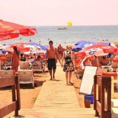 Sun Kiss Hotel пляж