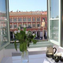 Отель Nice Massena балкон