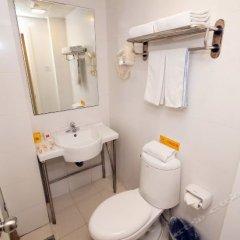 Отель Home Inn (Xi'an Petroleum University) Китай, Сиань - отзывы, цены и фото номеров - забронировать отель Home Inn (Xi'an Petroleum University) онлайн ванная