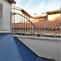 Отель Specchieri Suite бассейн