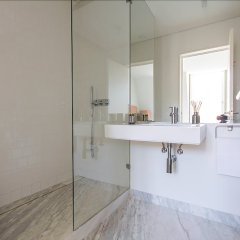 Отель Luxury T.M. Penthouse with a View Лиссабон ванная