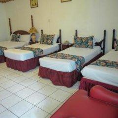 Отель Gloriana Hotel Ямайка, Монтего-Бей - отзывы, цены и фото номеров - забронировать отель Gloriana Hotel онлайн интерьер отеля