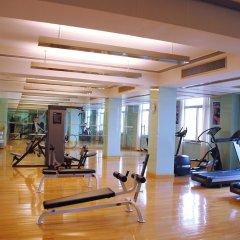 Dong Fang Hotel фитнесс-зал фото 2