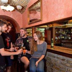 Отель Marco Polo Top Hostel Венгрия, Будапешт - 14 отзывов об отеле, цены и фото номеров - забронировать отель Marco Polo Top Hostel онлайн гостиничный бар