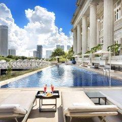 The Fullerton Hotel Singapore бассейн