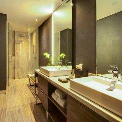 Отель Hilton Mexico City Santa Fe Мексика, Мехико - отзывы, цены и фото номеров - забронировать отель Hilton Mexico City Santa Fe онлайн ванная