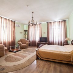 Гостиница Family-Hotel в Кургане отзывы, цены и фото номеров - забронировать гостиницу Family-Hotel онлайн Курган комната для гостей фото 3