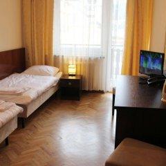 Отель Osrodek SzkoleniowoWypoczynkowy Dafne Закопане комната для гостей фото 2