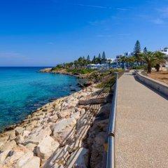 Отель Artemis Villa Кипр, Протарас - отзывы, цены и фото номеров - забронировать отель Artemis Villa онлайн пляж