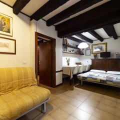 Апартаменты Santa Margherita Apartment комната для гостей фото 5