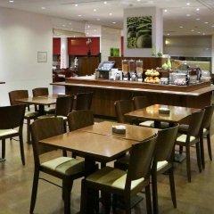 Отель ibis Antwerpen Centrum гостиничный бар