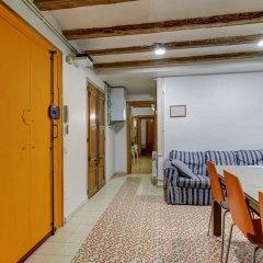 Отель 9 pax las Ramblas, Montserrat (Barcelona) Испания, Барселона - отзывы, цены и фото номеров - забронировать отель 9 pax las Ramblas, Montserrat (Barcelona) онлайн интерьер отеля фото 2