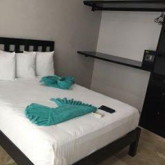 Отель Las Perlas CondoHotel сейф в номере