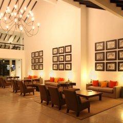 Отель Avani Bentota Resort Шри-Ланка, Бентота - 2 отзыва об отеле, цены и фото номеров - забронировать отель Avani Bentota Resort онлайн интерьер отеля