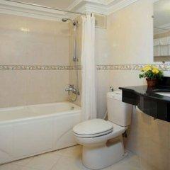 Отель Lucky 2 Hotel Вьетнам, Ханой - отзывы, цены и фото номеров - забронировать отель Lucky 2 Hotel онлайн ванная