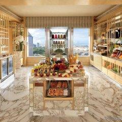 Отель The Ritz-Carlton, Millenia Singapore развлечения