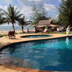 Отель Gooddays Lanta Beach Resort Таиланд, Ланта - отзывы, цены и фото номеров - забронировать отель Gooddays Lanta Beach Resort онлайн бассейн