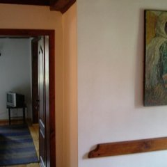 Отель Hadji Neikovi Guest Houses комната для гостей