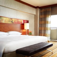 Отель Swissotel The Stamford 5* Стандартный номер с различными типами кроватей фото 6