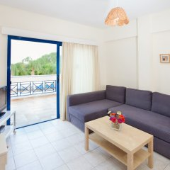 Отель Flouressia Gardens Протарас комната для гостей фото 4