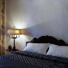 Отель The Bhuthorn Bed and Breakfast Таиланд, Бангкок - отзывы, цены и фото номеров - забронировать отель The Bhuthorn Bed and Breakfast онлайн комната для гостей фото 3