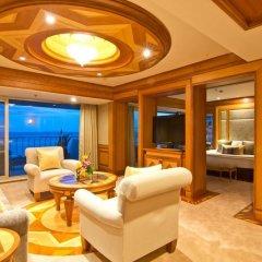 Отель Royal Wing Suites & Spa Таиланд, Паттайя - 3 отзыва об отеле, цены и фото номеров - забронировать отель Royal Wing Suites & Spa онлайн комната для гостей фото 4