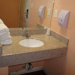 Отель Travel Inn США, Лос-Анджелес - отзывы, цены и фото номеров - забронировать отель Travel Inn онлайн ванная фото 2
