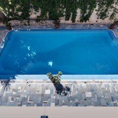 Отель Aktaion бассейн