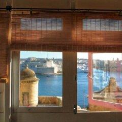 Отель Luciano Al Porto Boutique Accommodation Валетта комната для гостей