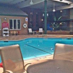 Отель Clarion Inn Frederick Event Center бассейн фото 2