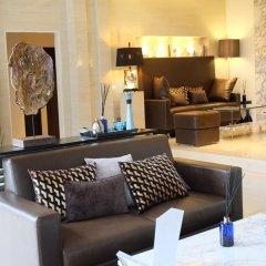 Отель The Base Residence Phuket Town by Moni интерьер отеля